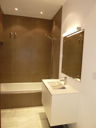 New luxury fittings for en-suite to bedroom 2
