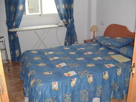 COPMFORTABLE DOUBLE BED ROOM