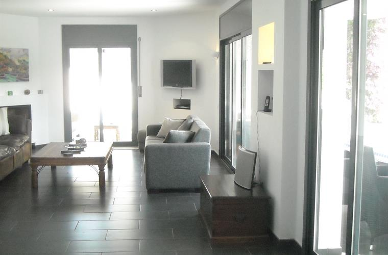 Holiday villa for rent in sitges sitges vacation villa - Bang olufsen barcelona ...