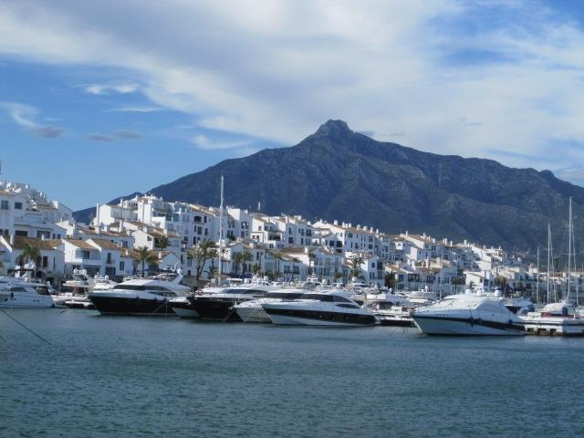 Puerto Banus harbour, Credit cards needed!