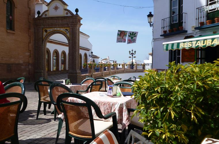 Anyone for a beer in Competa Square?