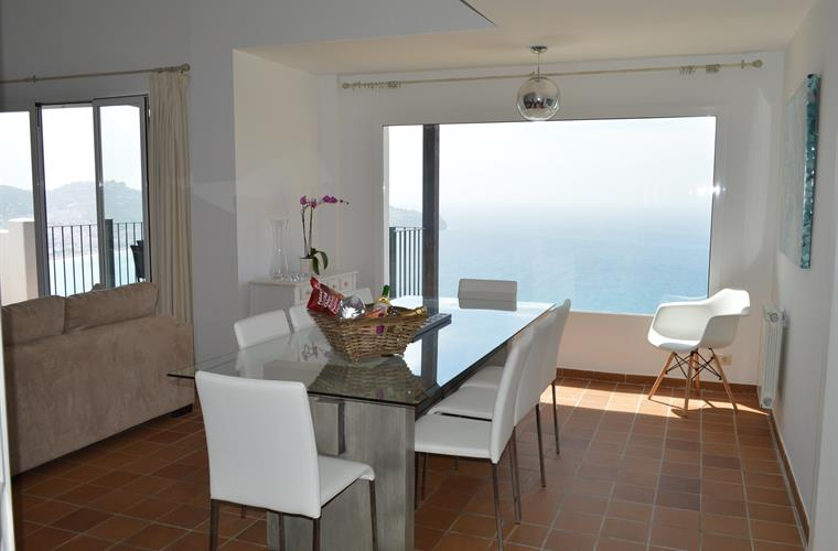 The dining area with amazing views