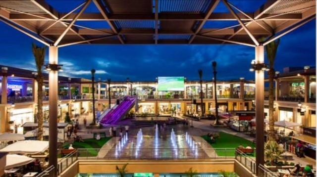 La Zenia Boulevard - shops and restaurants