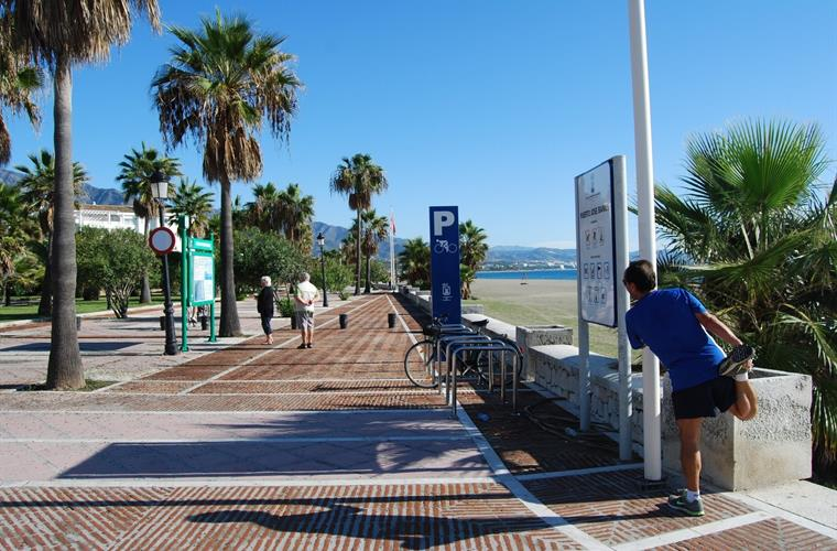 Prominade from the property to Puerto Banus Center along the beach