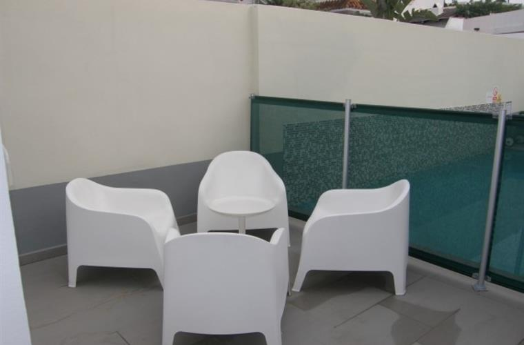 Extra Sitting area, Pool fenced