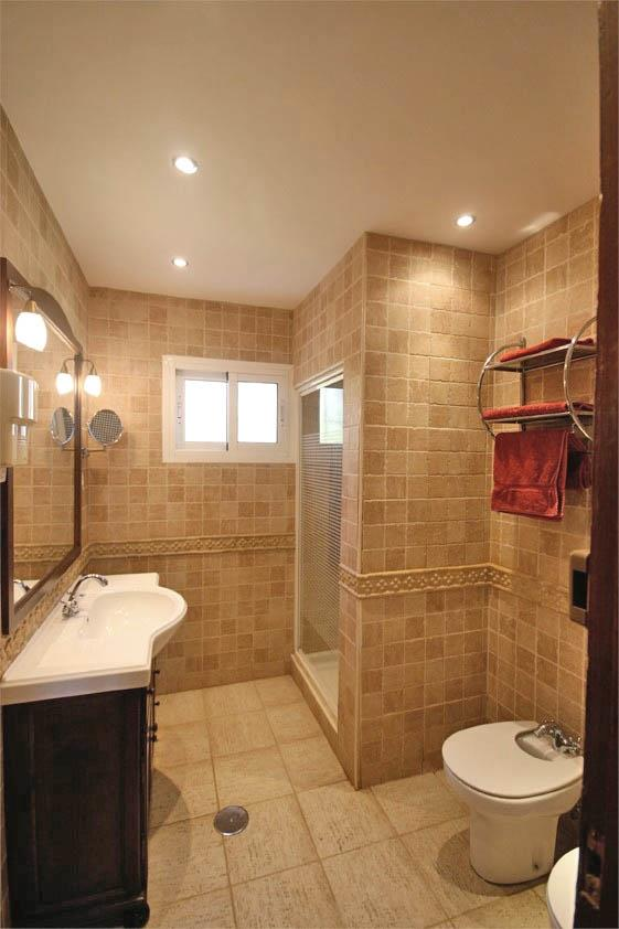 Standup shower room for the other bedrooms.