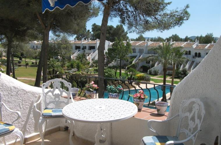 Holiday apartment for rent in j vea montgo j vea for Outdoor furniture javea