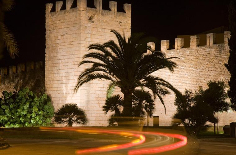 Alcudia old town by night