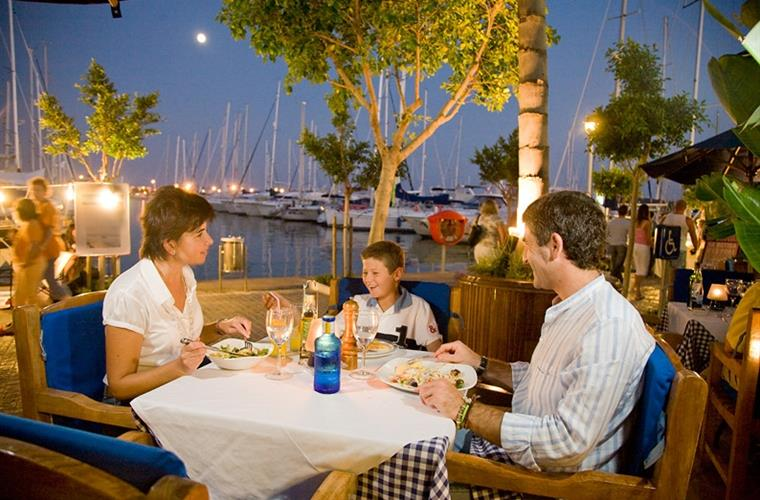 Evening meal at Port Alcudia