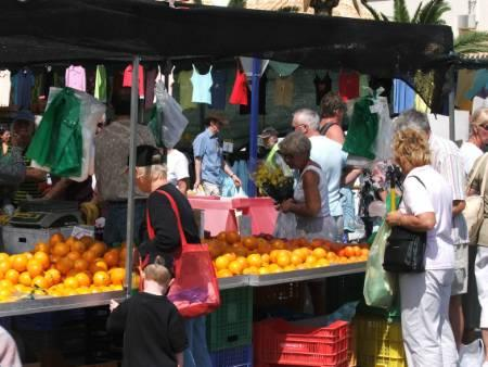 Playa Flamenca Saturday market