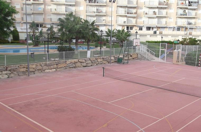 Private tennis/basket ball court/5 aside football pitch