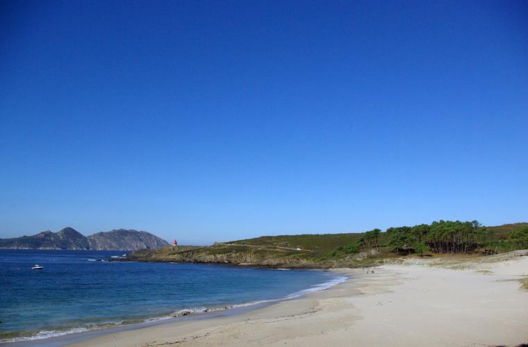 Melide beach with the Cies Islands background