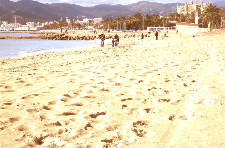 Lovely Playa de Palma beach only 9 mins walk
