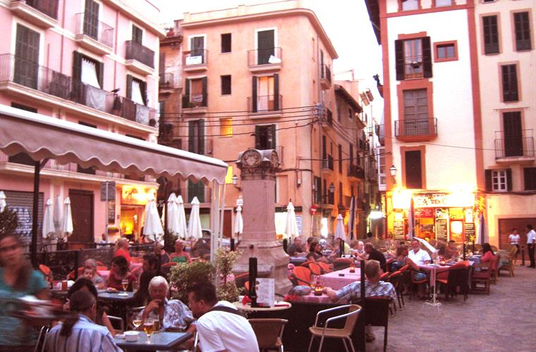 Wonderful selection of restaurants in the nearby square