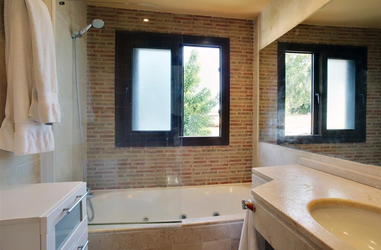 bathroom, master bedroom