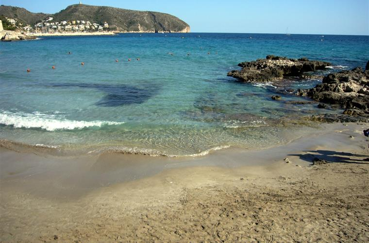 Moraira's superb L'Ampolla beach - great for children (shallow)