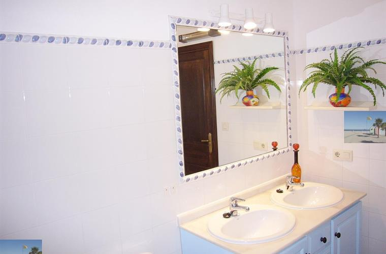 large bathroom, double sinks, bath ,shower & bidet
