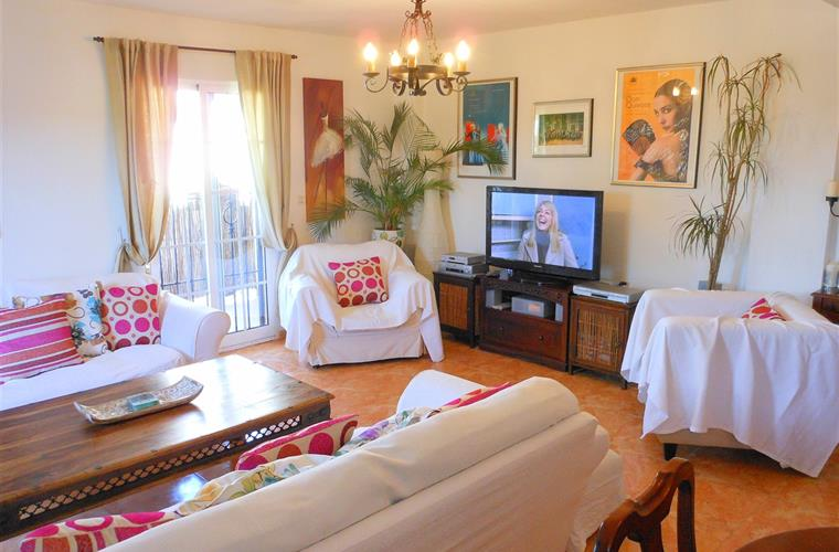 Air-conditioned lounge, large TV with UK channels, free Wi-Fi