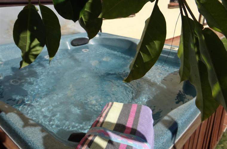 Private Jacuzzi for the sole use of the guests of the villa