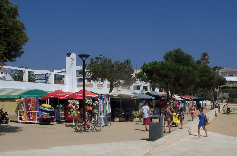 shops and restaurants at La Fosca