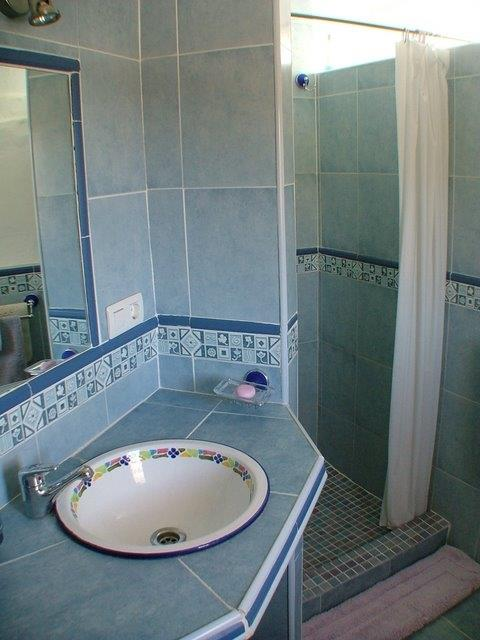 Buho Real shower room