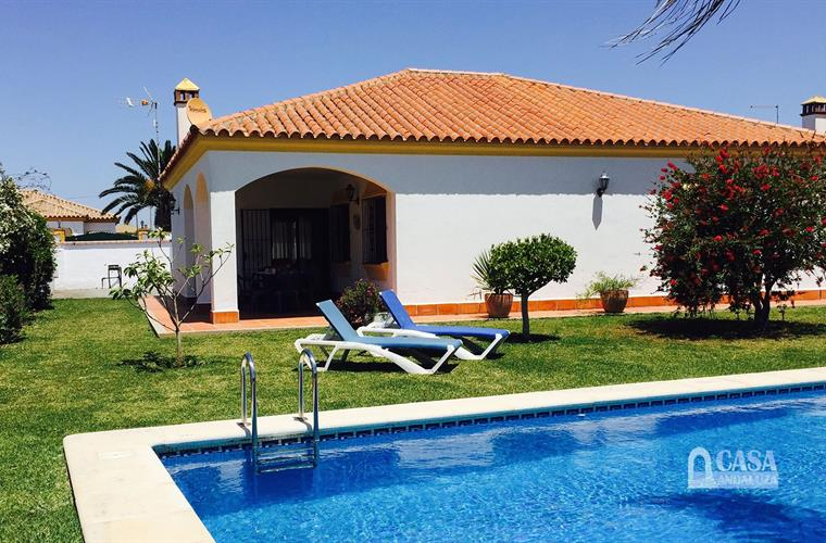 Dream holiday villa with pool close to Conil
