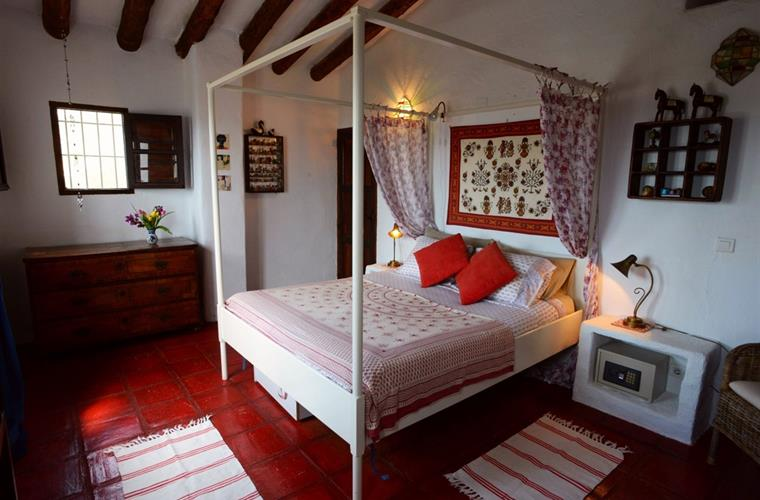 Bedroom with Romantic Four Poster Bed