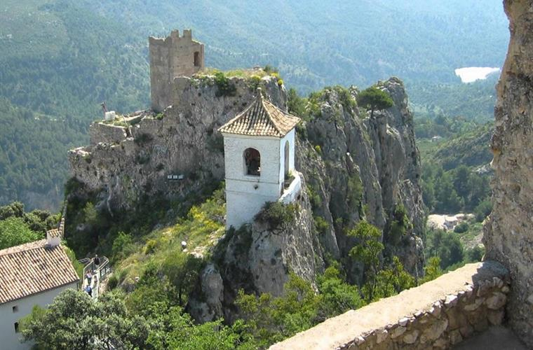 Visit Guadalest or one of many other sites nearby!