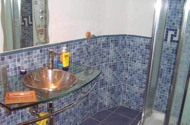 bathroom with hydromassage shower
