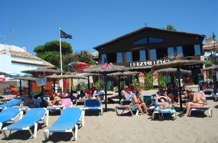 Local Royal Beach Calahonda