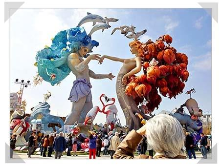 LAS FALLAS. Spectacular event every march, 13th to 19th