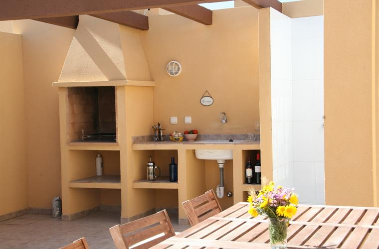 The outdoor Kitchen on the roof terrasse