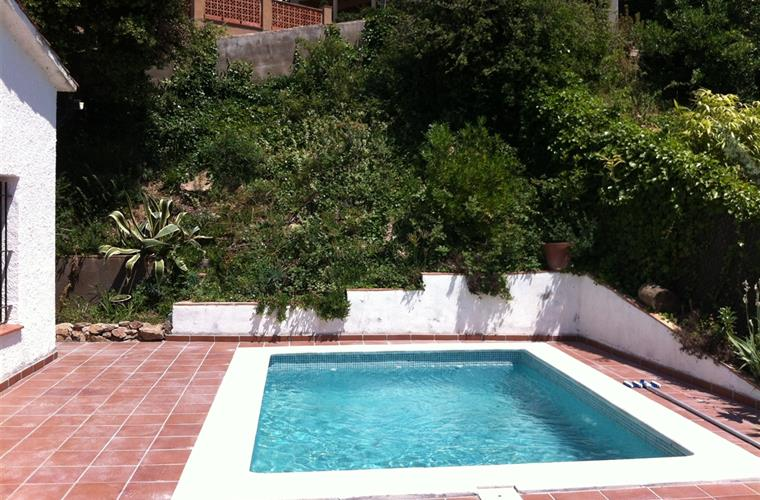 Pool at villa to rent in Pals