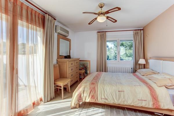 master bedroom, with balcony, ensuite shower and air con