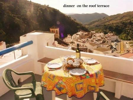 Al Fresco dining on the Roof Terrace