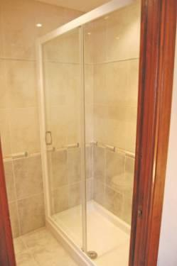 Large walk-in ensuite shower