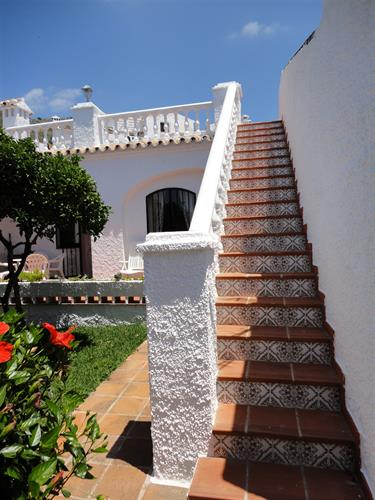 Steps from the garden to the private roof terrace
