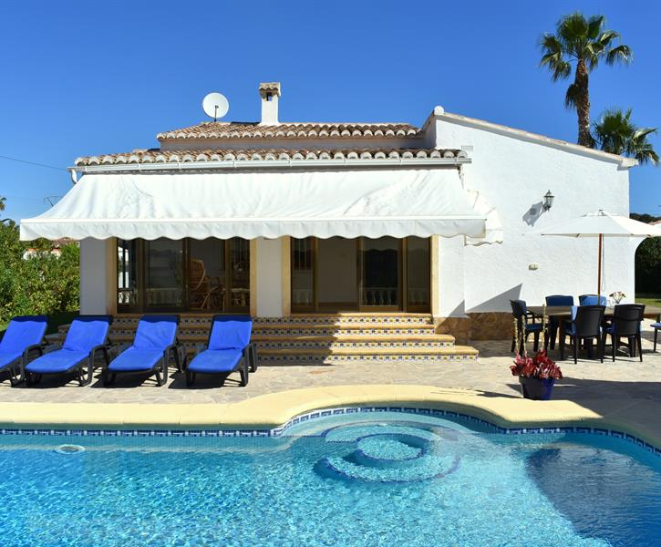 Rent in Javea - The house with its private pool