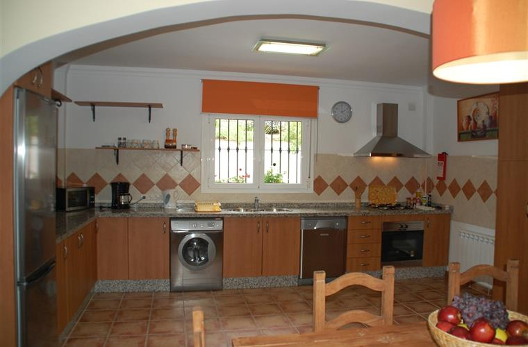 Fully fitted & equipped kitchen.