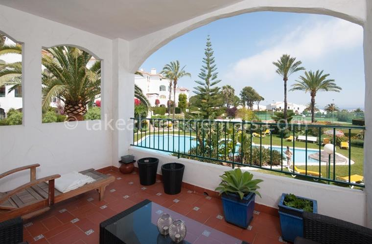 Terrace Nueva Andalucia holiday apartment Cerro Blanco