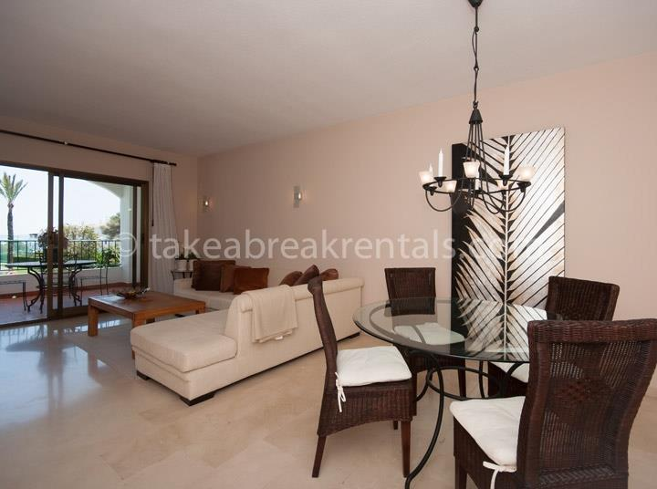 Dining area Cerro Blanco 2 bedroom apartments to rent Spain