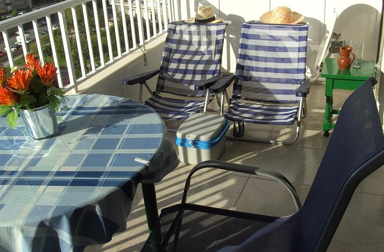2 beach chairs for sun tanning