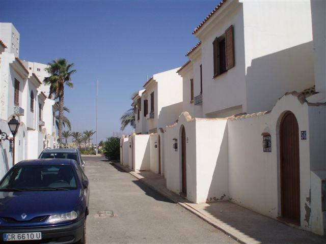 Road at the back of the house with free parking