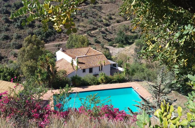 Holiday Country House For Rent In M 225 Laga City M 225 Laga
