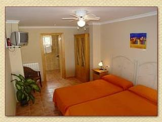 5xEn suite bedrooms, Villa Ana