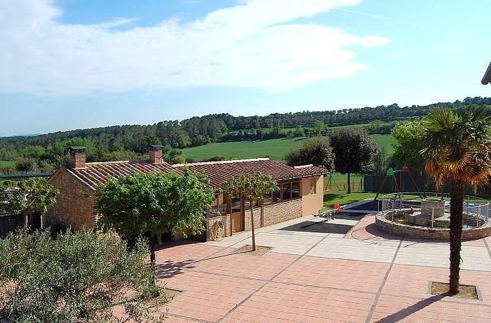 The house is situated in the Vall de Juïgues valley