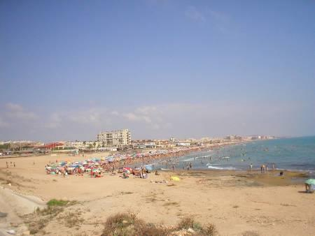 La mata beach 5-7 mins away.
