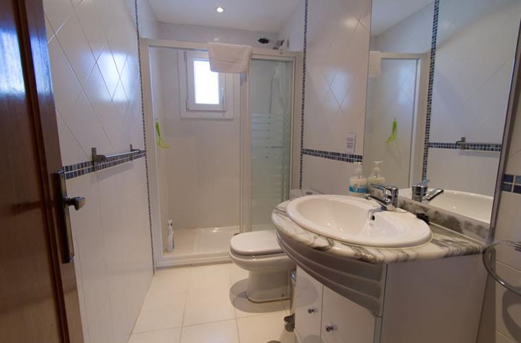 2nd bathroom, with shower, wc, basin