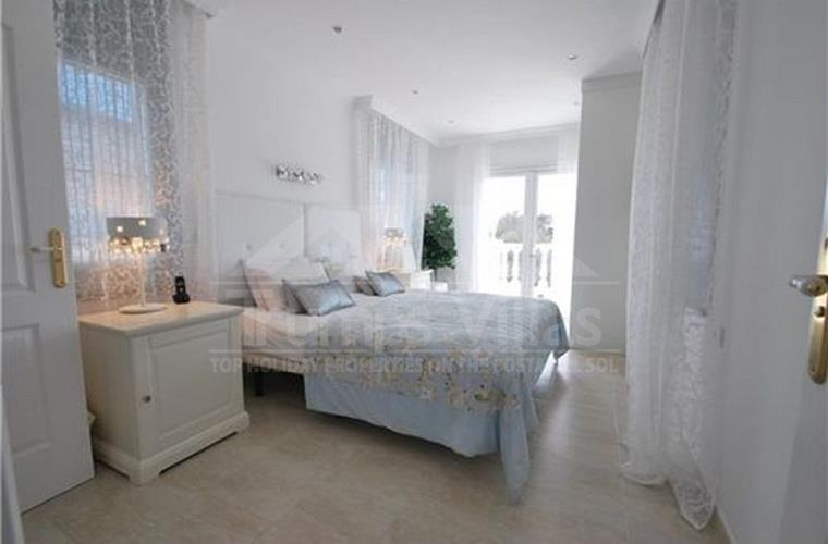 Master Bedroom - Trumps Villas . com