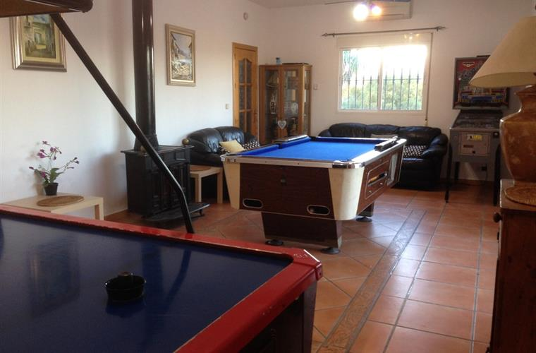 Games room, Air Hockey, Pool Table, Darts, Pin-ball